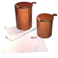 Foldable buffalo leather stools - Tabourets en cuir